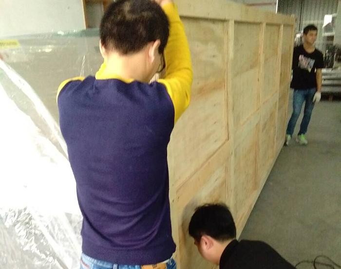 超大型木箱包装现场作业