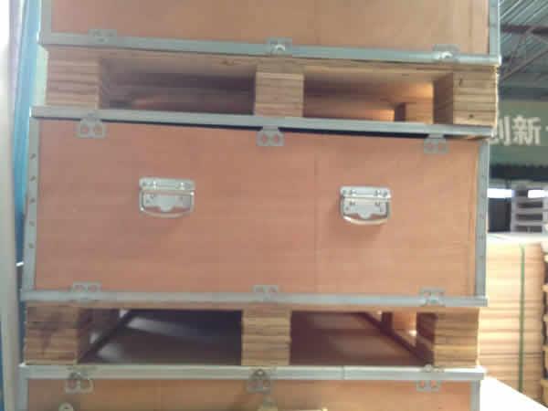 锁扣木箱包装